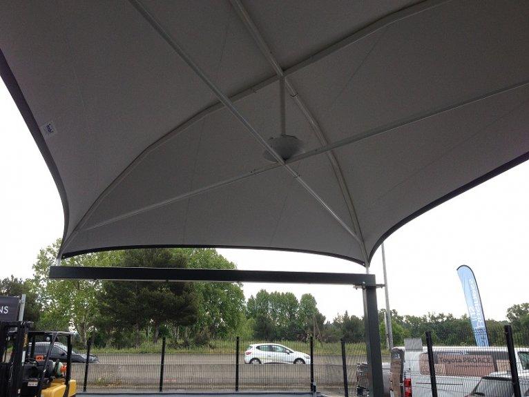 protection parc auto toile tendue