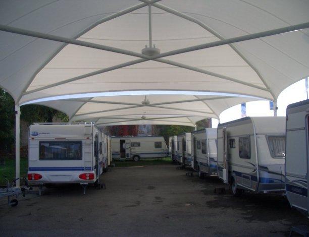 abri pour protection caravane