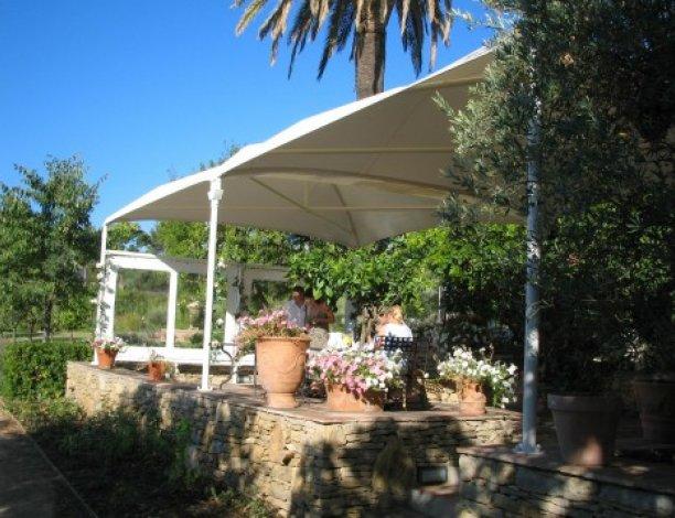 Couverture terrasse restaurant en toile tendue | Speedabris