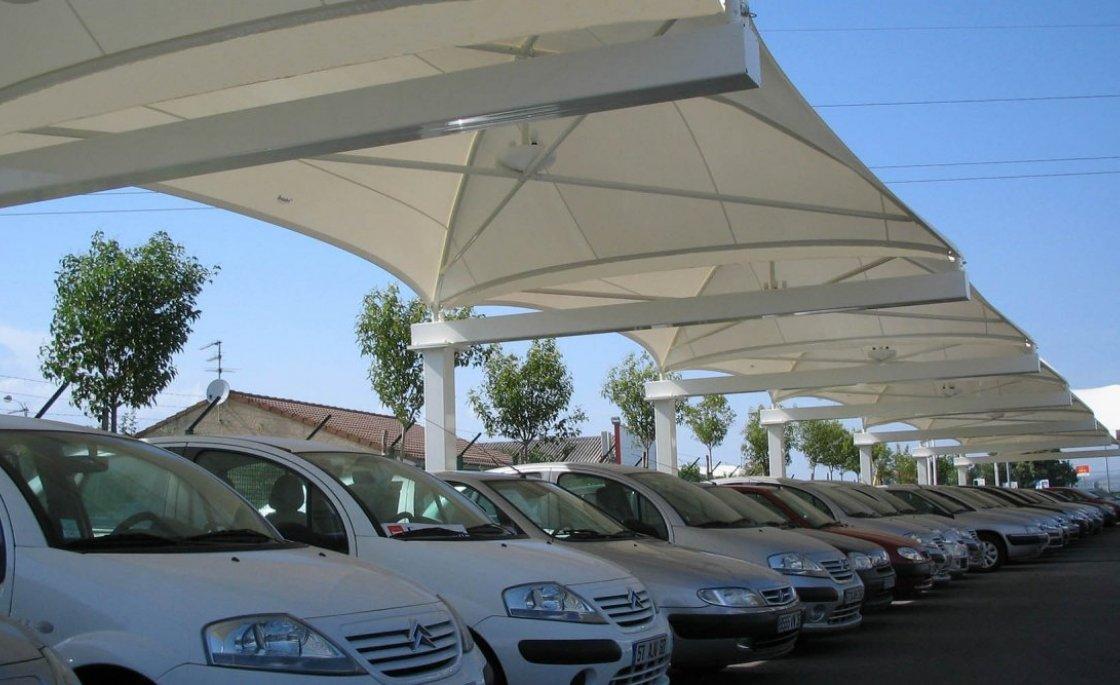 abri toile tendue pour parc auto